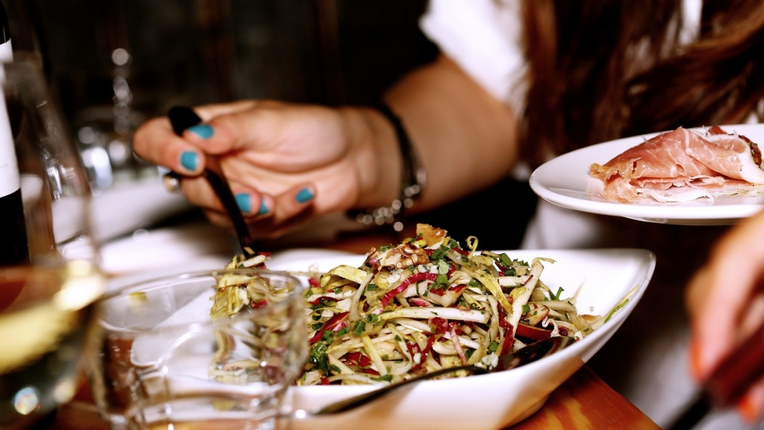 C:\Users\user001\Downloads\Let the Latest Tech Lift Your Restaurant - image.jpg